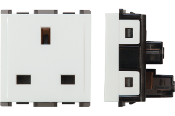13A socket british type with shutter (white)